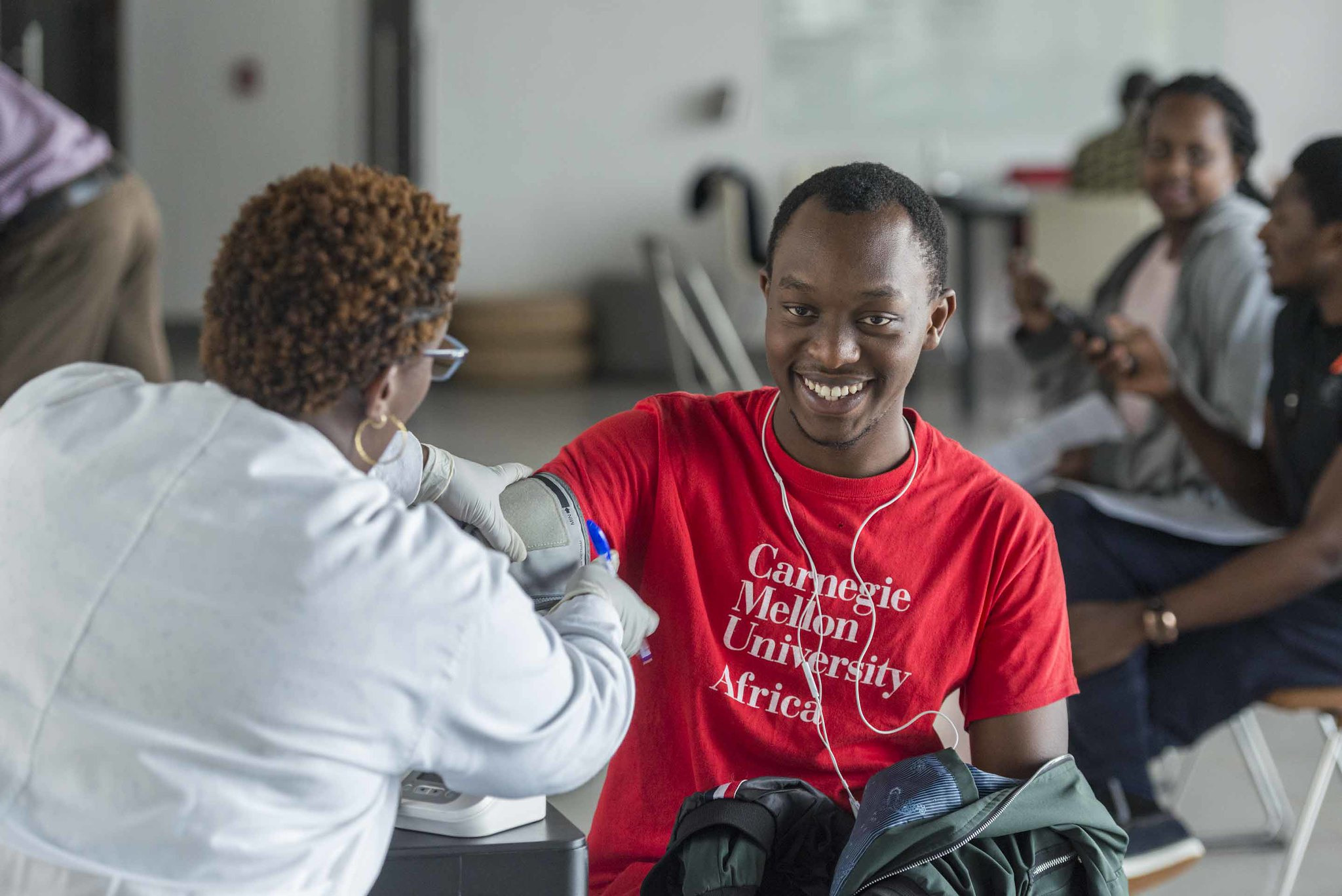 MCF Scholar donates blood
