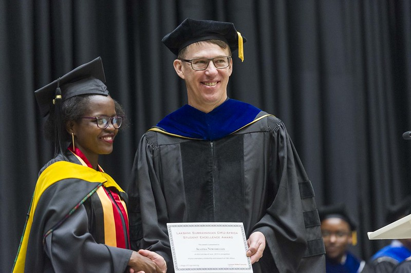 Agatha Niwomugizi (E'19) receiving the Lakshmi Subramanian  CMU-Africa Student Excellence Award from CMU-Africa instructor, Martin Saint.
